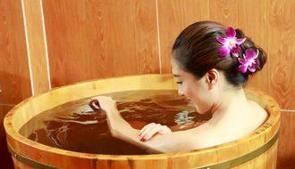 Nên chọn bồn tắm gỗ nào để kinh doanh spa thư giãn?